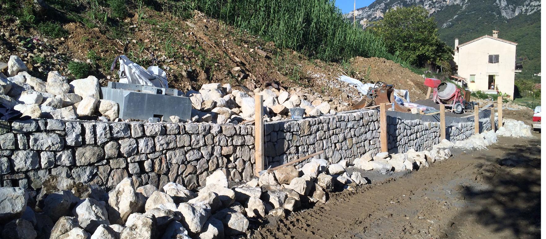 RECONSTRUCTION DE DEUX MURS DE SOUTENEMENT - AVENUE DES ECOLES BAR SUR LOUP